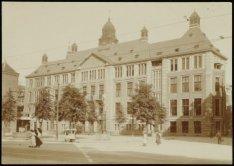 De Effectenbeurs van architect J.Th.J. Cuypers op Beursplein 5-9