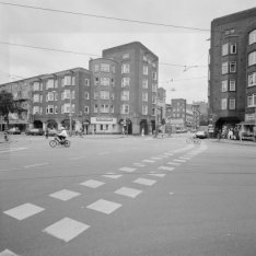 Mercatorplein 77-121, Ingang Jan Evertsenstraat 137-155 richting west, rechts Ho…