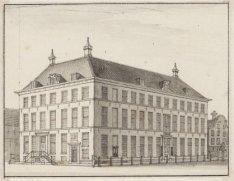 Logement 't Wapen van Amsterdam. Kloveniersburgwal 64. Links de ingang van de Sl…