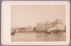 De Amstel gezien naar Amstel Hotel, Hogesluis en Carré. Gezien vanaf de stadhoud…