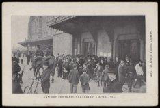 Centraal Station, Stationsplein, waar veel drukte is wegens een algemene werksta…