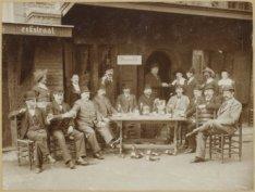 De Wereldtentoonstelling van 1895 op het Museumplein. Een groepsfoto van een Oud…