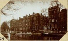 In aanbouw zijnde brug over de Keizersgracht vóór de Raadhuisstraat en de Wester…