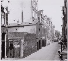 Haarlemmer Houttuinen 36-56 gezien naar de Korte Prinsengracht