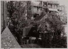 Admiraal De Ruijterweg 91-95 (achterzijde, v.r.n.l.) met zicht op het binnenterr…