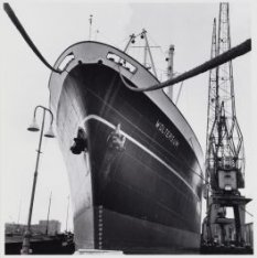 S.S.Wolterum aan de Javakade met op de achtergrond de Oostelijke Handelskade