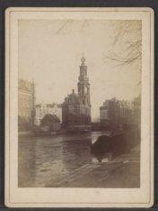 Het Muntgebouw en de Munttoren aan het Muntplein, gezien vanaf het Singel