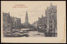 Diverse schepen op de Binnen Amstel met v.l.n.r. de Amstel, Muntplein met Muntto…