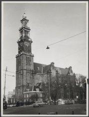 Prinsengracht 277 - 281, Westerkerk. Links in de achtergrond Westermarkt 16 (ged…