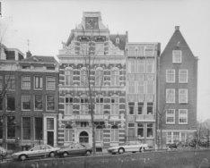 Leliegracht 21 (ged.) - 27 en de zijgevel van Keizersgracht 159