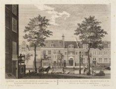 Gezicht van het Oost-Indisch-Huys, benevens het Krankzinnigen-huys, te Amsterdam