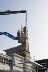 Reconstructie van de Hogesluis (Brug 246) over de Amstel. Herplaatsing van de ee…