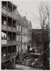 Binnentuinen en achterzijde Van Hallstraat 2-8 ( v.l.n.r.)