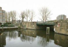 De Beltbrug (basculebrug 324) over de Kostverlorenvaart