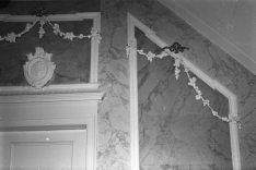 Herengracht 615, detail muur met guirlandes
