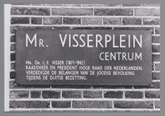 Straatnaambord Mr. Visserplein