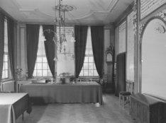 Amstel 51, Diaconie Oude Vrouwen- en Mannenhuis, interieur regentenkamer (De fot…