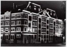 West-Indisch Huis. Het pakhuis staat aan het 's-Gravenhekje 1. Links de Prins He…