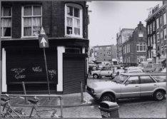 Govert Flinckstraat 245. Café Toon op de hoek van de Eerste Sweelinckstraat is d…