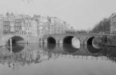 Keizersgracht 663-691, links Reguliersgracht 29-39, gevels
