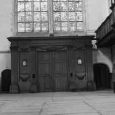 Dam 12, Nieuwe Kerk, interieur met ingang aan de Damzijde