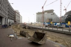Eerste fase van de vernieuwing van de Westerdoksdijk gezien in noordwestelijke r…
