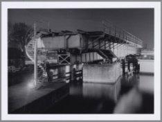 Voormalige Spoorbrug over de Westerdoksluis naar de Westerdoksdijk. Foto uit de …