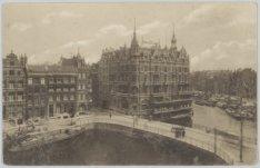 Rokin en Doelenbrug (brug 220) gezien naar de Binnen Amstel