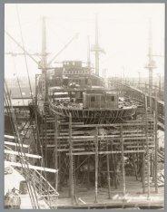 Bouwstadium van het vrachtpassagiersschip ss. Tjitaroem