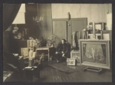 Kunstenaar Theo Beerendonk (1905-1979) in zijn atelier, Anna van den Vondelstraa…