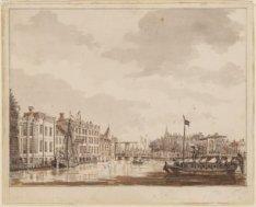 """Het Oude Doelen Logement en De toren """"Swycht Utrecht"""" gezien over en Binnen-Amst…"""