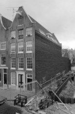 Haarlemmer Houttuinen 89 (ged.) - 91 (later huisnummers 275 - 301), voor- en zij…