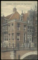 Keizersgracht 661 met rechts Reguliersgracht 36-38. Uitgave: B. Brouwer, Amsterd…