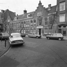 Valeriusstraat 196 (ged.) - 200 (ged.) v.r.n.l., op nummer 198 het Fontainehofje…