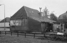 Kadoelenweg (voorheen en later Zuideinde, Landsmeer) 112 - 114, achter- en zijaa…