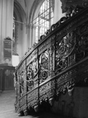Nieuwezijds Voorburgwal 143, Nieuwe Kerk, trap van de preekstoel