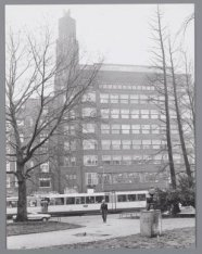 Gebouw Atlanta en Centraal hotel, Stadhouderskade 5-7 (v.r.n.l.), gezien vanaf h…