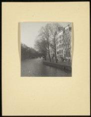 Keizersgracht 403-407 gezien van de brug over de Leidsegracht