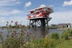 REM Eiland Restaurant, Haparandadam 45-2 in de Nieuwe Houthaven