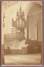 Dam 12. Interieur van de Nieuwe Kerk, met gezicht op het kleine orgel