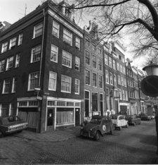 Oudeschans 42 (ged.) - 54 v.r.n.l. en links de Korte Keizersstraat