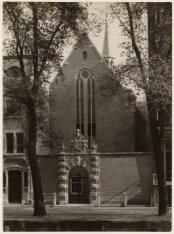 Oudezijds Voorburgwal 231. De Agnietenkapel na de restauratie van 1921 door arch…