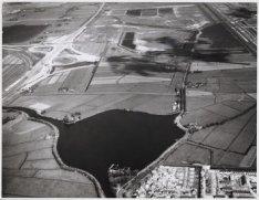 Luchtfoto in noordwestelijke richting van het terrein voor het toekomstige AMC e…