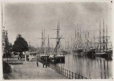 IJgracht, later Prins Hendrikkade, gezien vanaf het Kadijksplein