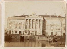 De oude Stadsschouwburg op het Leidseplein na de verbouwing van 1872-1874
