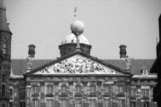 Nieuwezijds Voorburgwal 147, Paleis op de Dam, gevel met timpaan en figuren, Atl…
