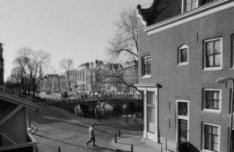 Keizersgracht 4 - 44 v.r.n.l., gezien vanuit de Binnen Brouwersstraat