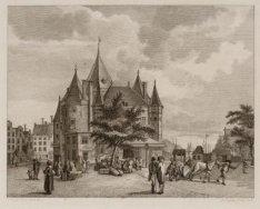 Nieuwmarkt gezien in noordelijke richting naar de St. Anthonieswaag, met rechts …