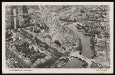 Luchtfoto met in het midden het Rembrandtplein