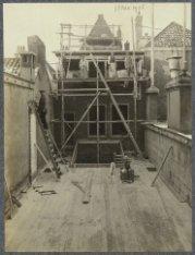 C.A.P. Ivens & Co. in foto-artikelen, camera's en benodigdheden, Kalverstraat 11…